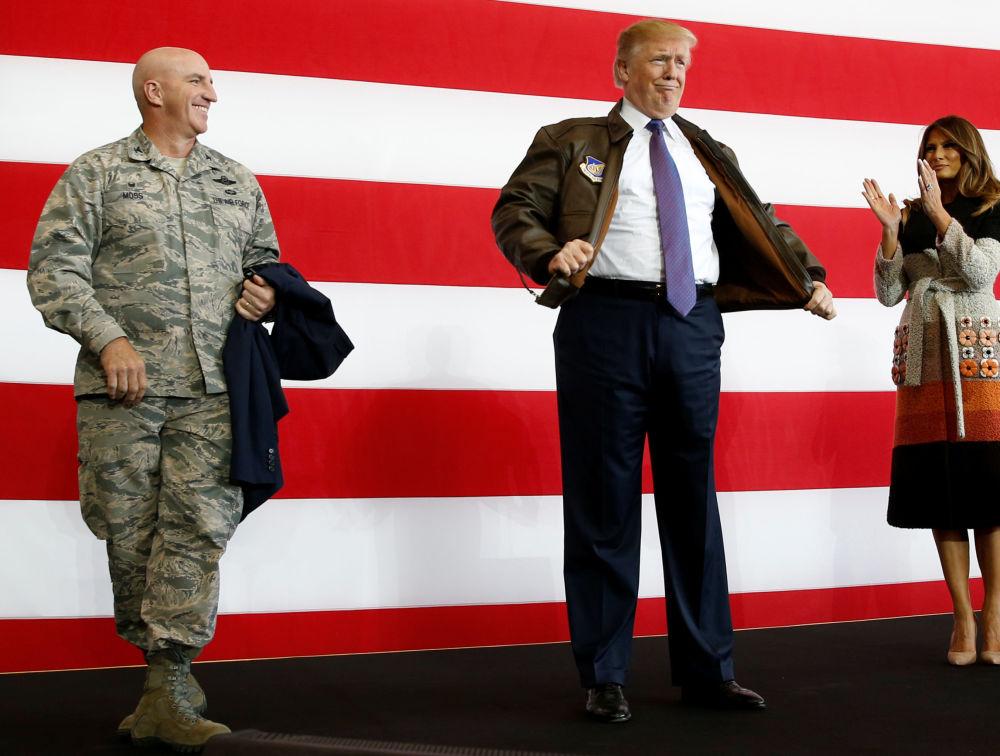 美國總統唐納德·特朗普在美國駐日本橫田空軍基地