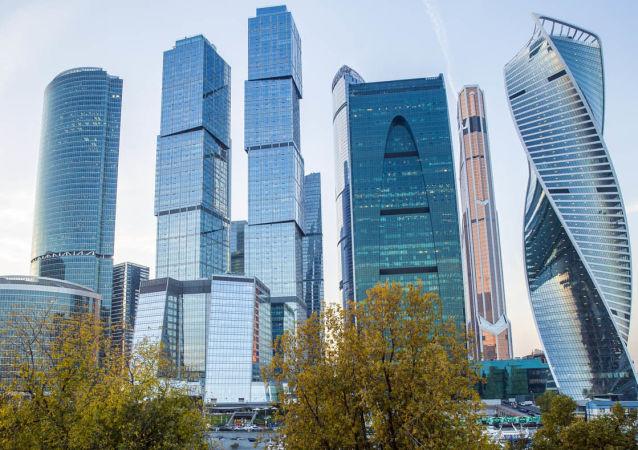 民调:俄罗斯人对国内经济前景的看法不一