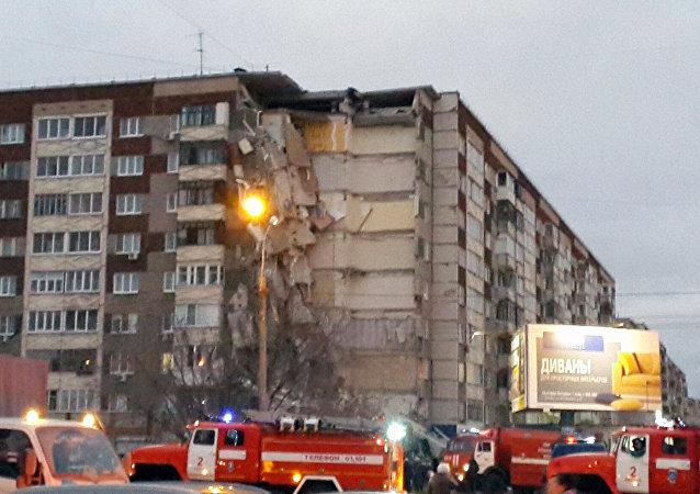 伊热夫斯克居民楼坍塌事故失踪者搜寻工作仍在继续