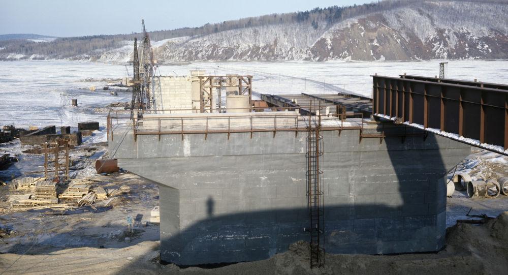 俄中跨境桥项目拖欠工资俄政府出面清偿