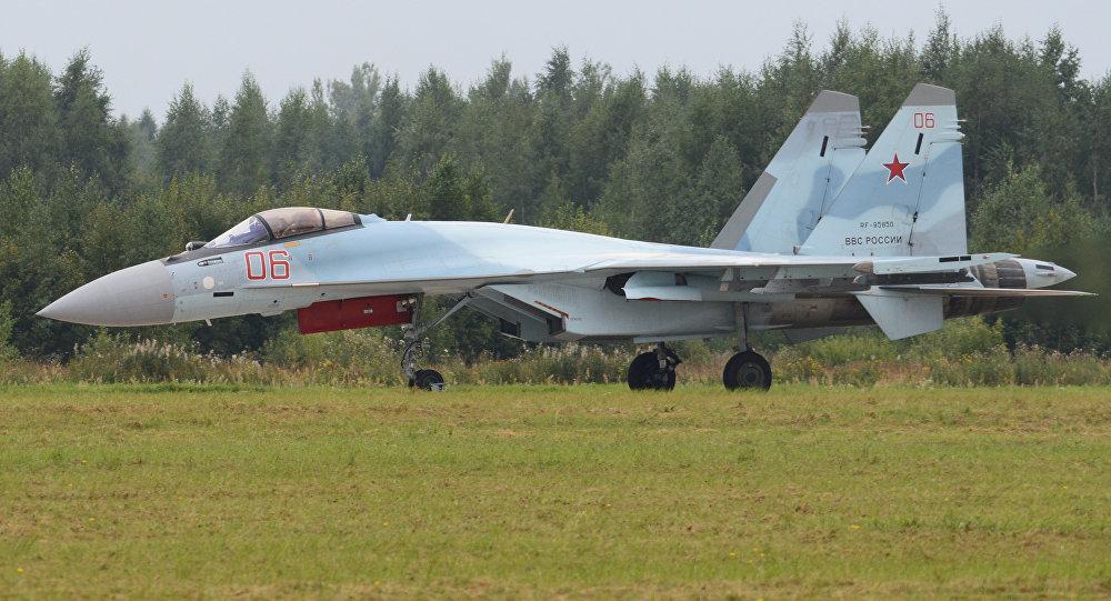 俄罗斯在迪拜航展上首次推出最新的四代++苏-35S超机动性战机