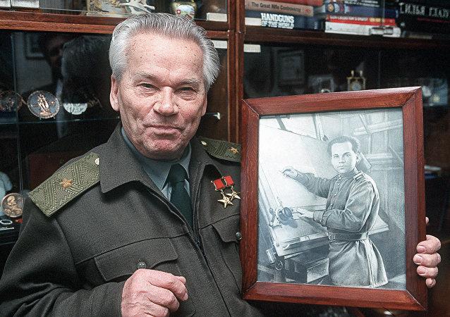 米哈伊尔·卡拉什尼科夫