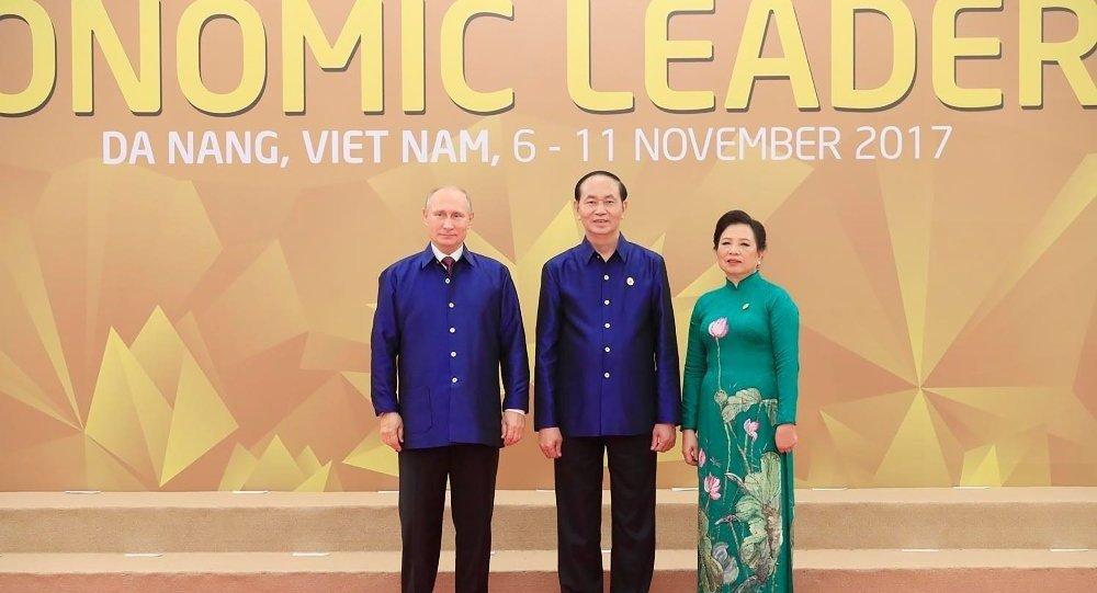 越南领导人时刻期待普京访越