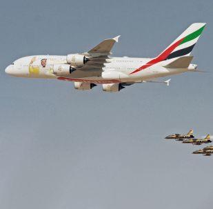 一架被塗色的空客A380-800,紀念阿聯酋前總統謝赫·扎耶德·本·蘇丹·阿勒納哈揚誕辰100週年。