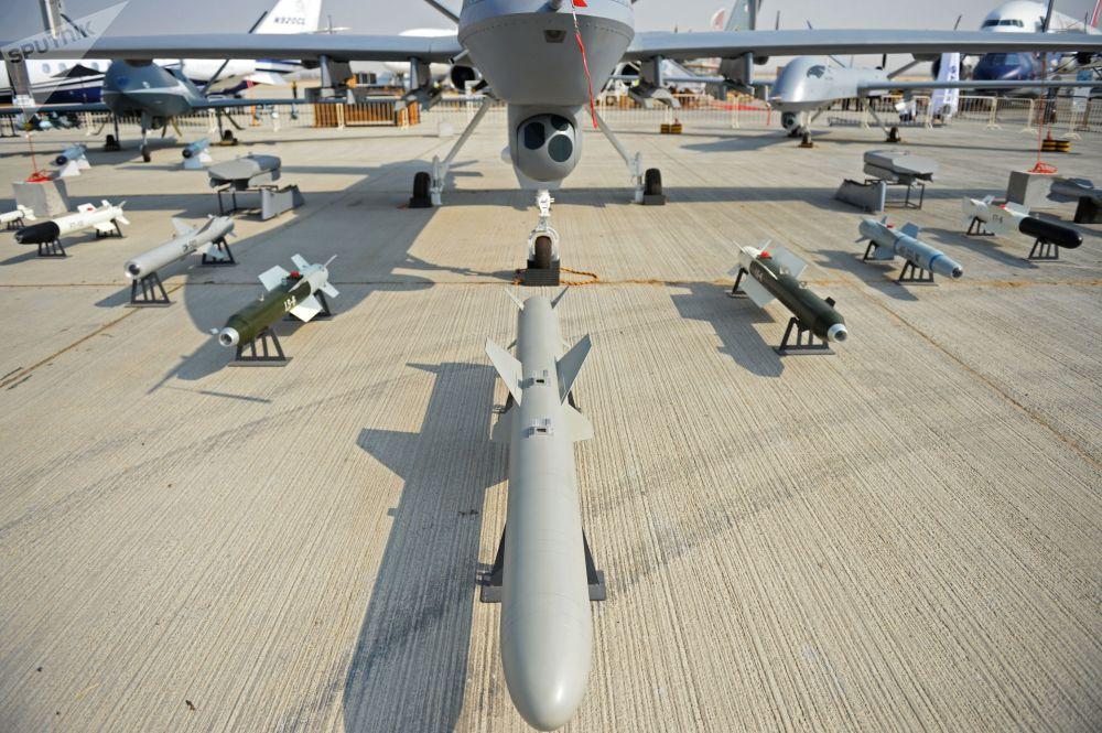 """中国""""翼龙II""""侦察打击一体化无人机"""