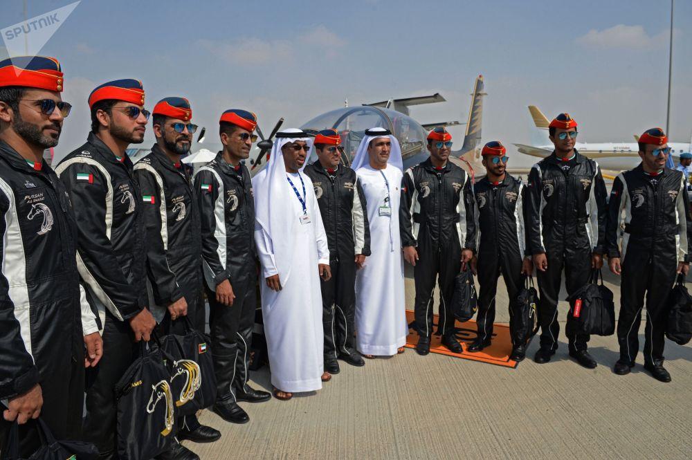 阿联酋飞行表演队Fursan Al Emarat的飞行员