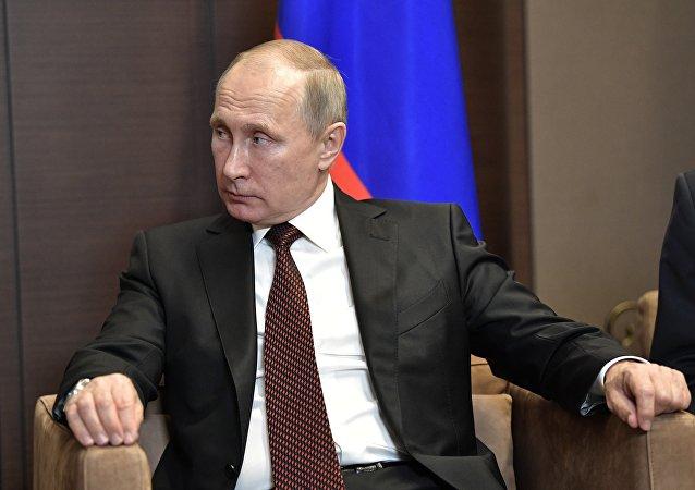 普京将六名强力机构的将军解职