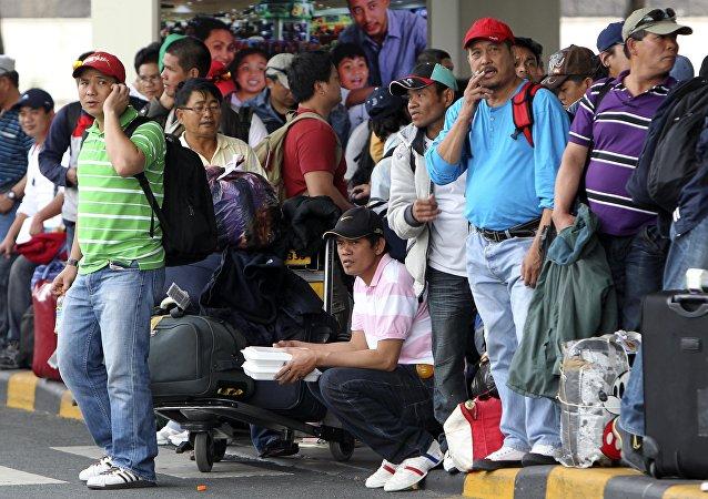 媒體:菲律賓臨時禁止國民赴海外務工
