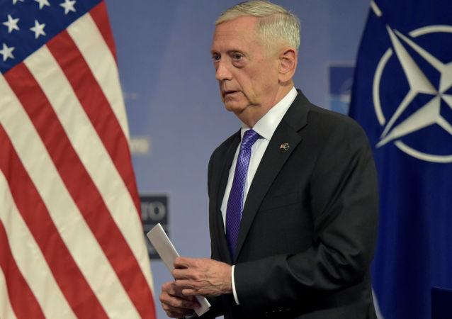 美国防长指责德黑兰试图借助金钱影响伊拉克的选举