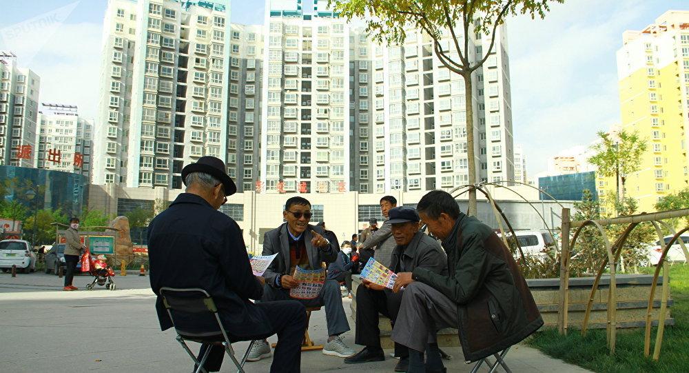 中国人社部回应实施延迟退休:正研究具体改革方案