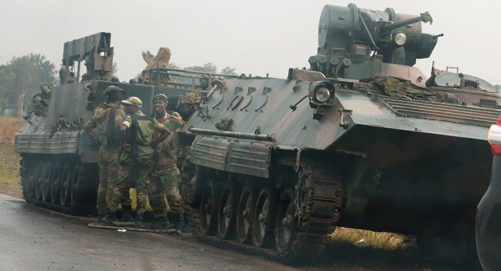津巴布韦军队的一个装甲车队驶向哈拉雷方向