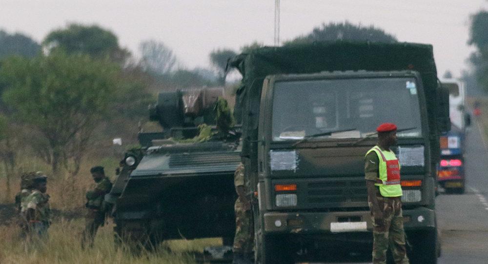 津巴布韦军方否认政变并称总统穆加贝安全