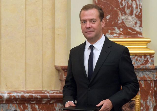 俄總理責成制定措施防止違法銷售間諜器材