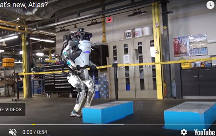 """机器人""""阿特拉斯""""学会后空翻"""