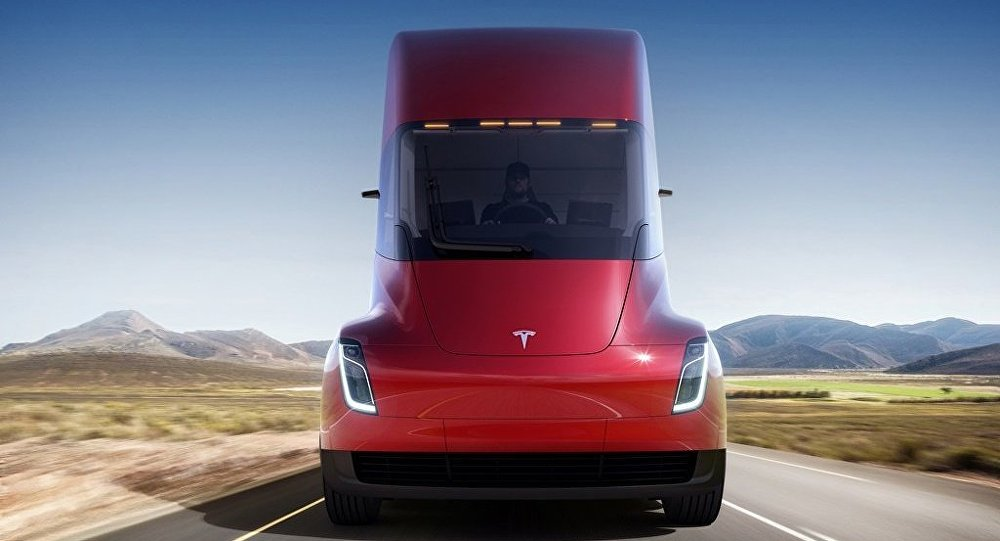 特斯拉公司總裁展示電動卡車Tesla Semi