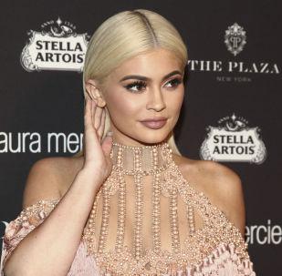 美國模特凱莉·詹娜20歲,收入4100萬美元。