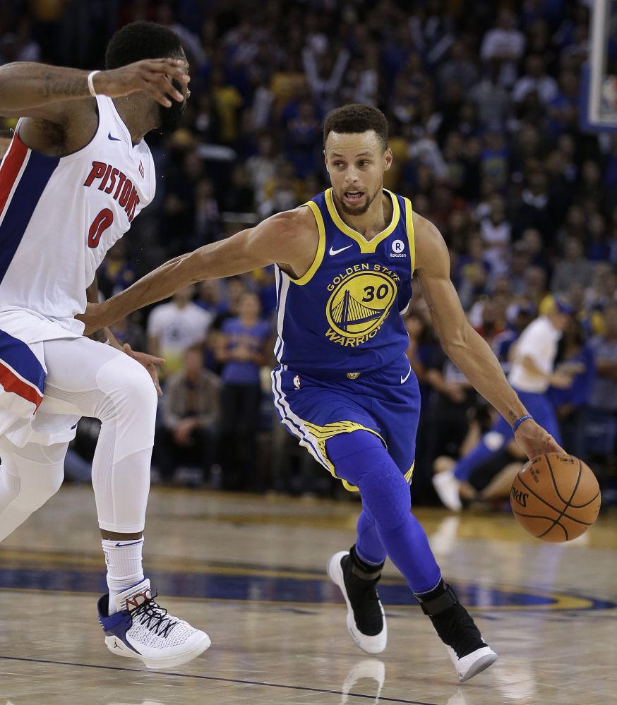 美國籃球運動員斯蒂芬·庫里29歲,收入4730萬美元。