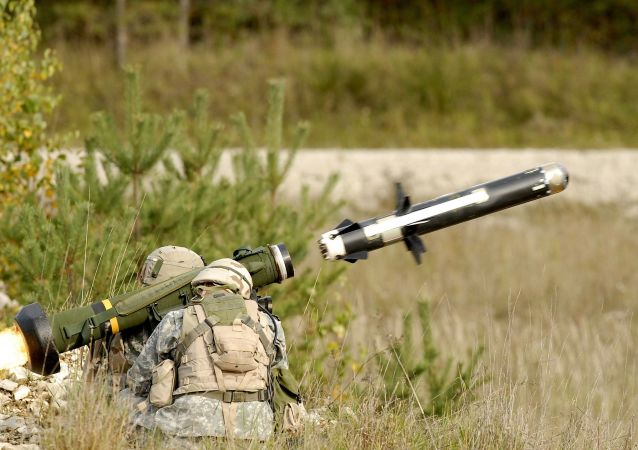 """""""标枪""""(Javelin)便携式反坦克导弹系统"""