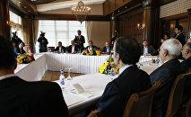 俄羅斯、土耳其和伊朗外長在安塔利亞舉行的三方會談