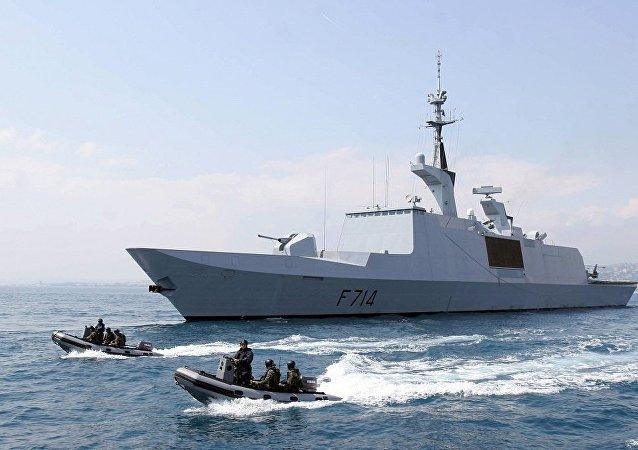 一艘法国隐形护卫舰现身黑海