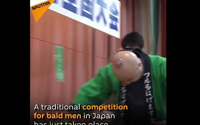 日本举行光头拔河比赛