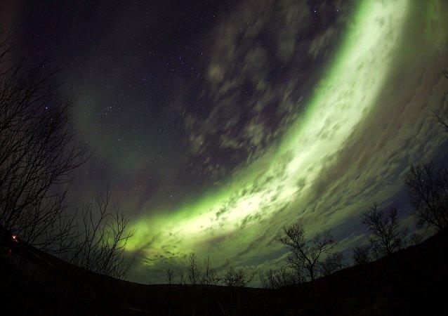 游客来俄北极地区住透明墙冰屋看北极光