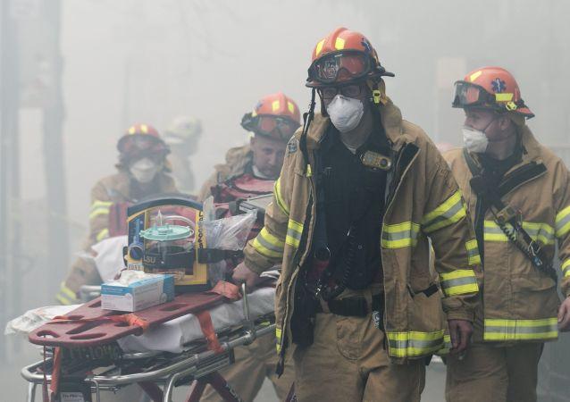 在美国纽约州的工厂爆炸造成75人受伤