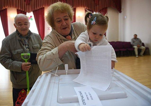 专家:普京在俄总统选举中的主要竞争对手将获得10至15%的选票