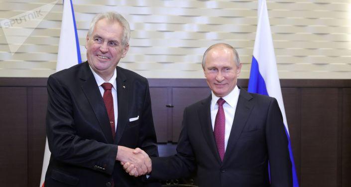 捷克总统泽曼重申自己反对欧盟制裁俄罗斯