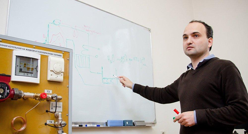 南乌拉尔国立大学正在研究在热力发电厂中使用太阳能集热器的方法