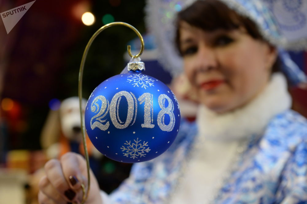 古姆百货商场出售的新年装饰品和纪念品