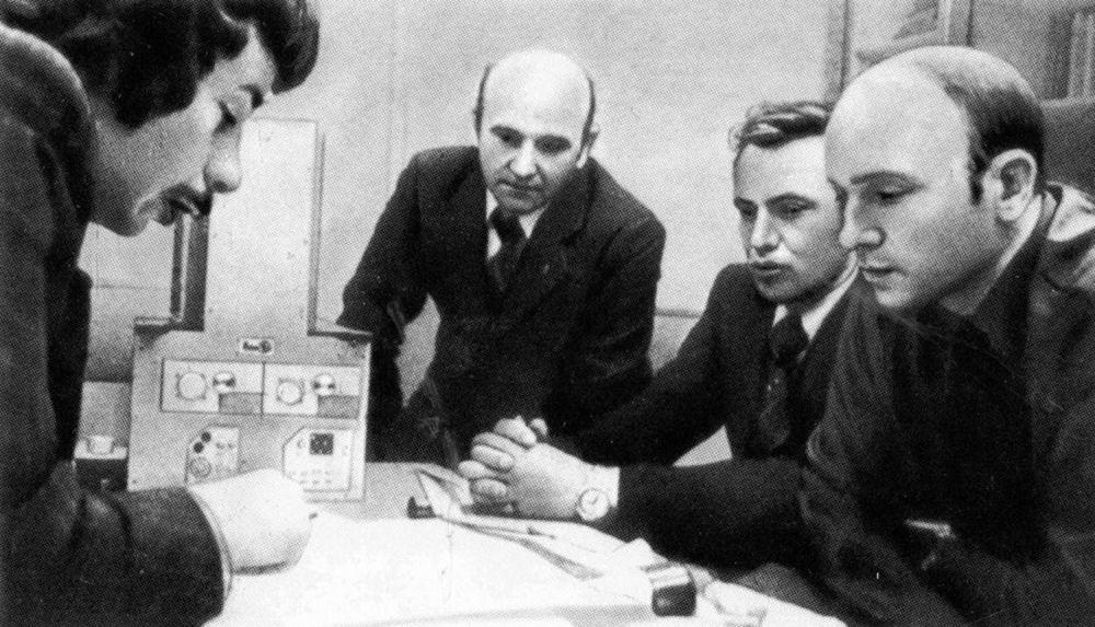 """在1977年,国家核大学工作人员开发了一种小型伽玛射线望远镜""""Elena-F"""",用于记录近地空间和高层大气中的伽玛量子和高能电子流量。 在1979年望远镜被进入轨道。"""