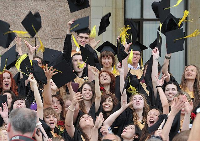 俄高校计划2021年前开始颁发电子文凭