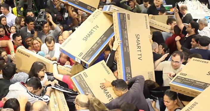 黑色星期五巴西民眾「掃貨」