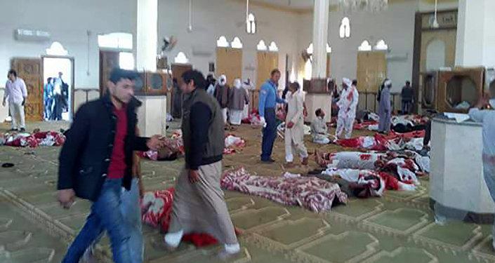 消息人士:爆炸发生时埃及清真寺内或有500人