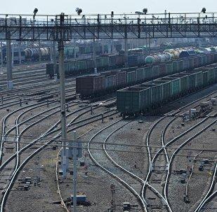 俄中计划将集装箱列车长度增加到65节换算车