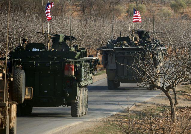俄國防部:美國封鎖其在敘利亞基地附近的地區導致5萬多人被隔離
