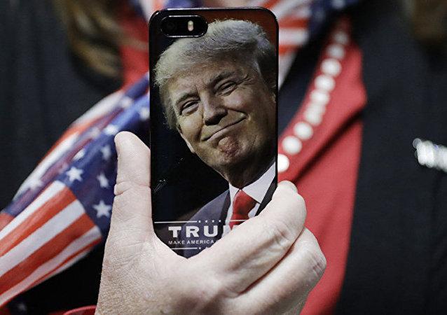 民調:45%的美國人贊同特朗普的經濟政策