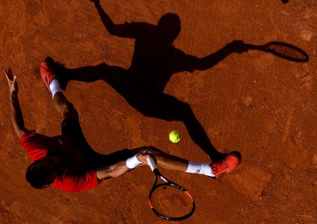 澳大利亞網球手尼克·基爾喬斯粗魯咒罵球迷