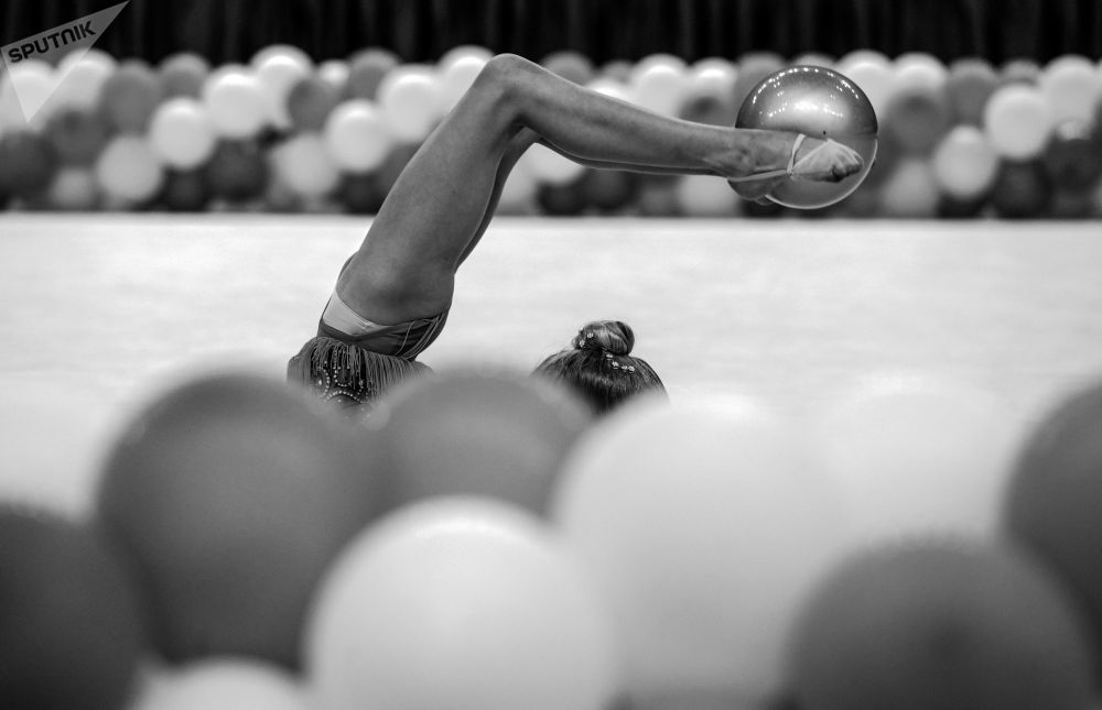 第六届艺术体操公开赛的参赛选手