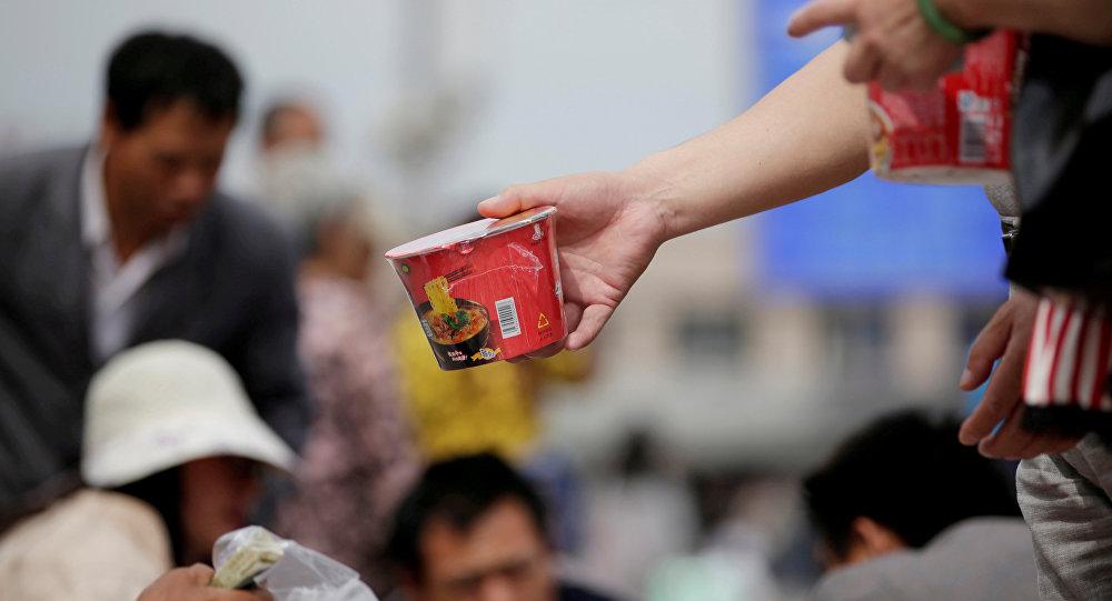 更多中国人拒绝食用方便面而开始食用健康食品