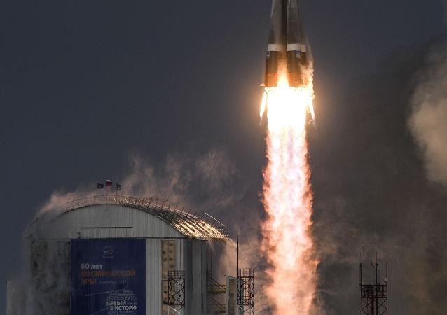 """俄""""联合-2.1B""""运载火箭成功将俄国防部卫星送入轨道"""