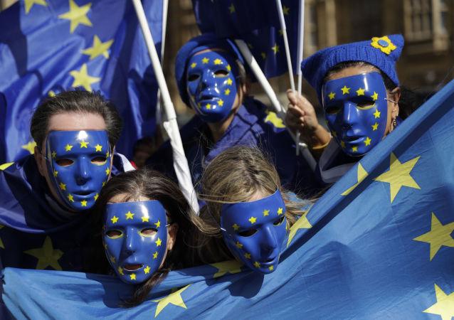 英国首相:英国将向欧盟提出在脱欧后保留自由贸易