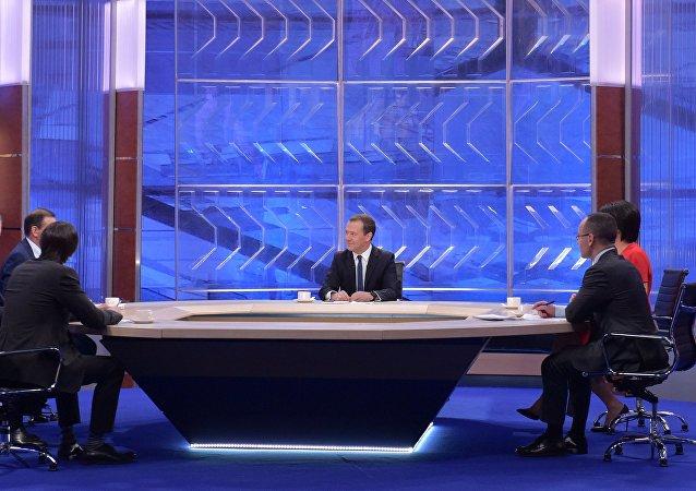 俄總理稱將來打算在俄羅斯生活與工作