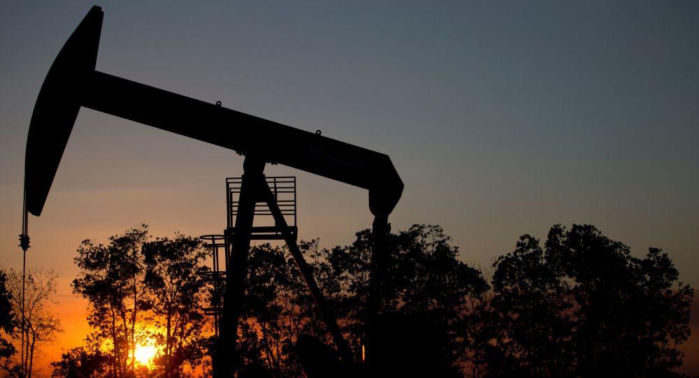 俄媒:亚洲石油交易将以人民币计价