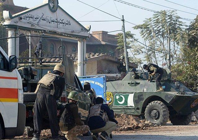 媒体:袭击巴基斯坦大学校园的恐怖分子被全歼