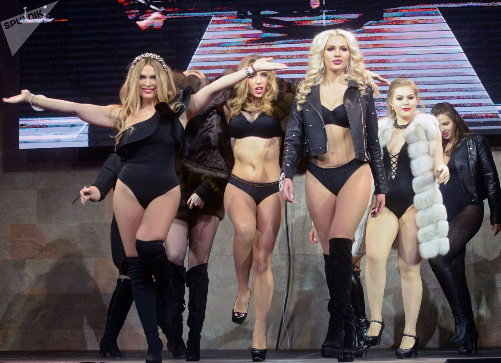 參加「2017全俄模特大賽」與「2017頂級模特附加賽」決賽的選手們