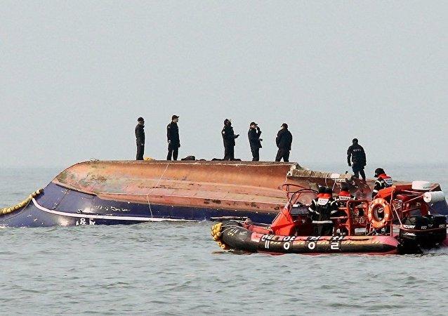 在韩国的船只相撞造成至少13人死亡,2人失踪