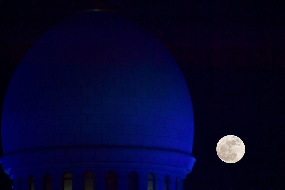在各国的超级月亮