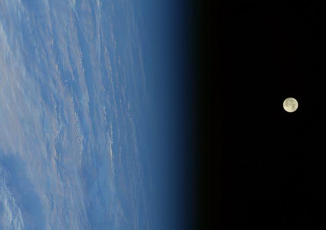 俄罗斯计划在月球上空建立导航系统